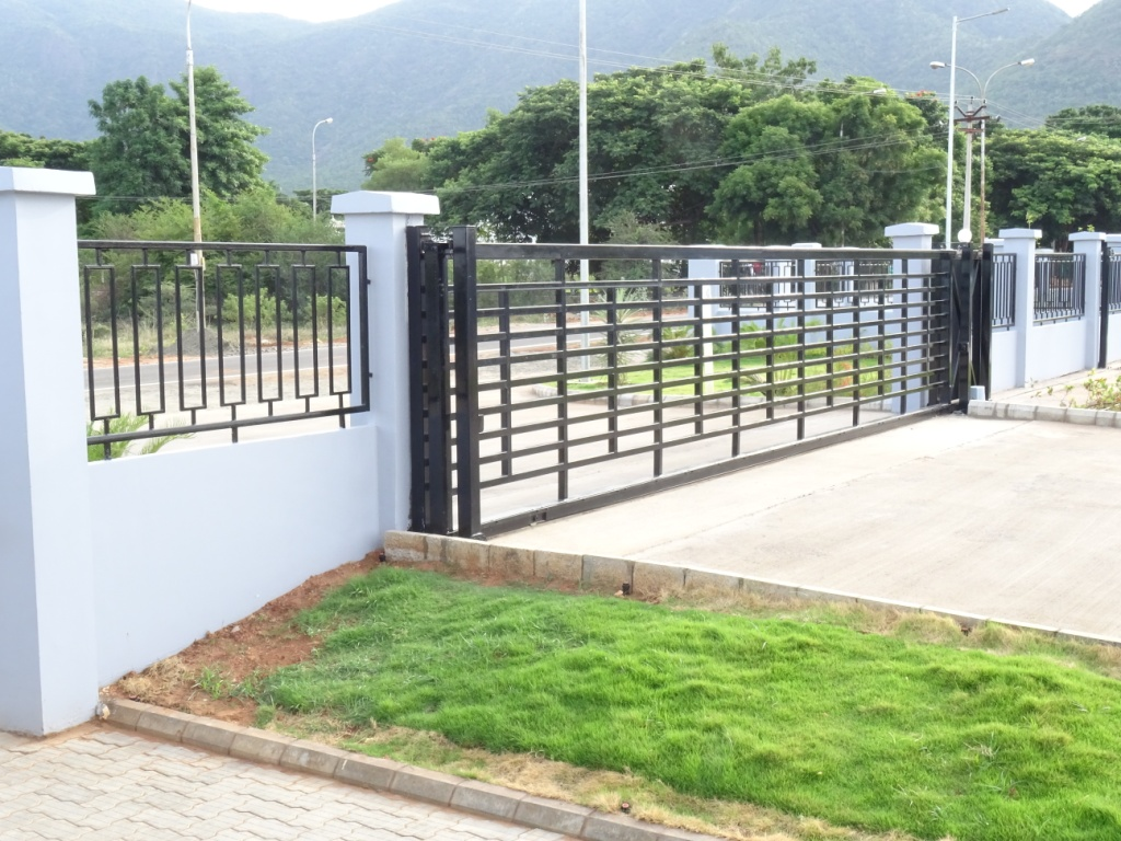 Boundary Wall With Compound : Precast boundary wall compound manufacturer